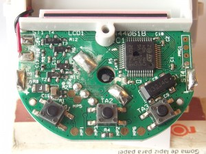 This is the circuitry board of the Model N. No components other than the dial encoder on the back side. Noticeable dirt on this brand new device. For details, see the following description.